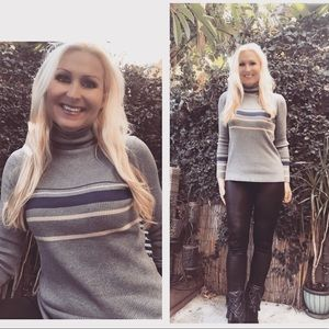 🤩Gray and Royal Blue Stripe Knit Top🌟